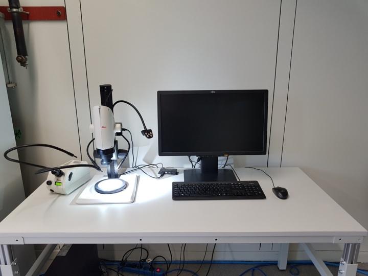 Microscope Workplace (c)