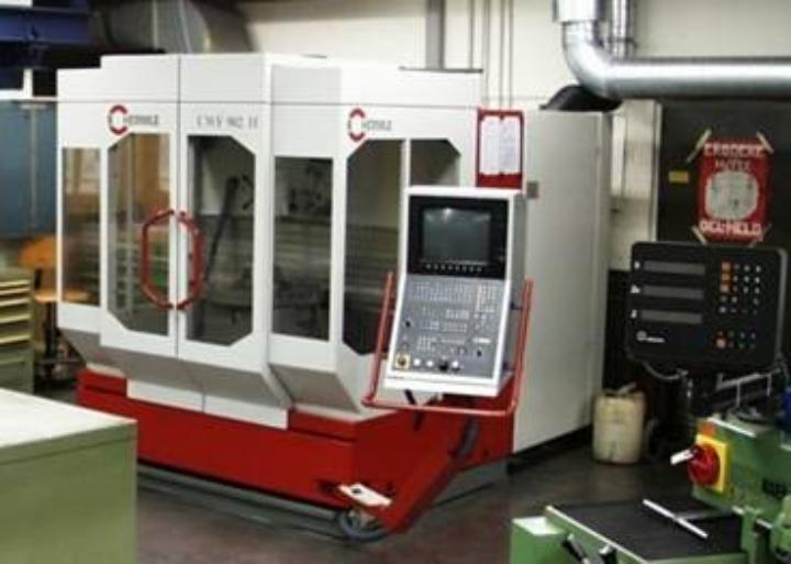 CNC-Fräsmaschine (c)